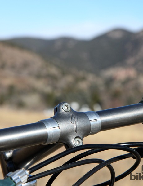 While it's always important to keep stem faceplate bolts tight, it was even more so for this setup. The custom titanium handlebar is split in the middle and is held together solely by the stem clamp and aluminum shim