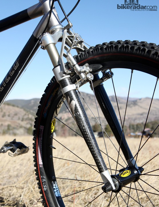 The Specialized S-Works Futureshock FSX fork was a joint collaboration with RockShox. Externally, it was a masterpiece of CNC-machined and forged aluminum, titanium, and carbon fiber. Inside, however, it was essentially a previous-generation Mag 21