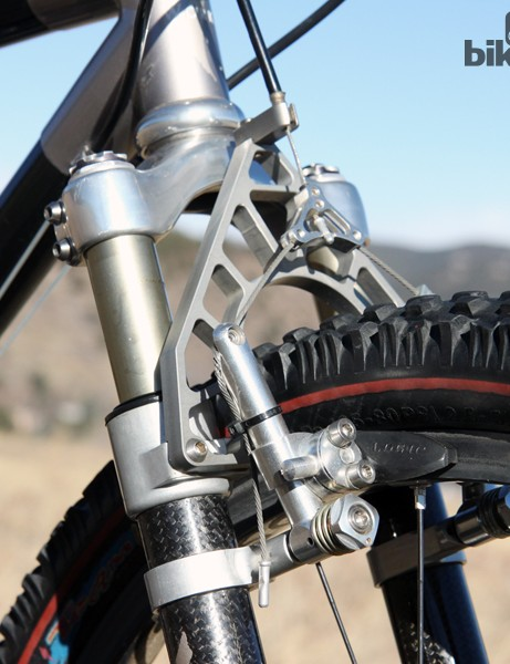 The one-off machined brace was made by then-Avid head Wayne Lumpkin. It was a gift to then-S-Works division head Mark Norris for speccing Avid's Tri-Align cantilevers, which essentially launched the company into stardom