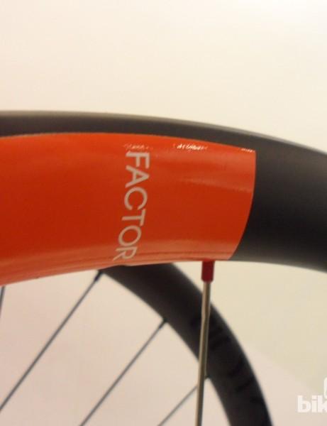 The Novatec Factor 21 wheels have carbon rims