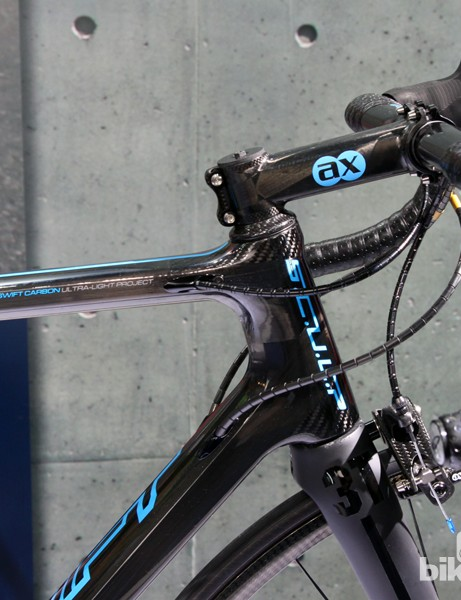 The new SwiftCarbon SCULP features a tapered 1 1/8-to-1 1/2in head tube