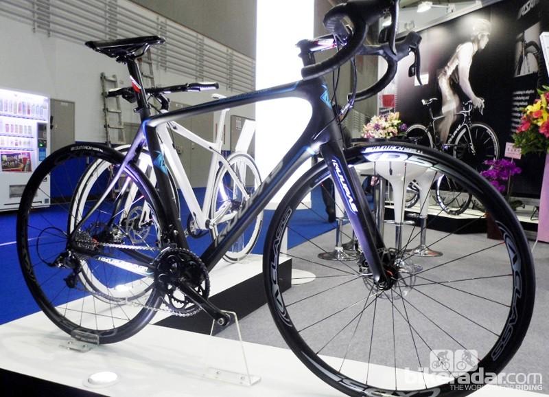 Ashami's Kuupas AR134  carbon disc bike