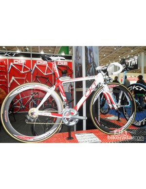 The CKT's 368-V has some interesting aero touches about its frame, including Giant Propel style TRP integrated V-brakes