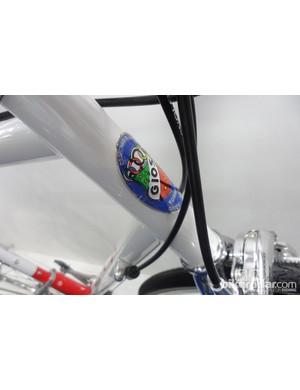 A classic Gios of Torino head badge adorns the 1in head tube