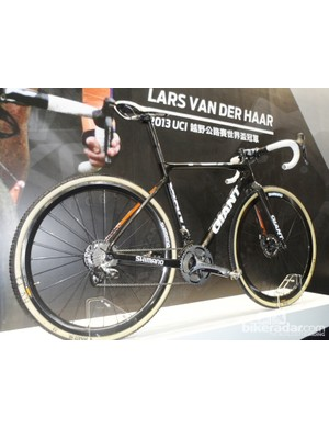 Giant made the most out of their roster of stars, here's Lars Van De Haars disc equipped cross bike