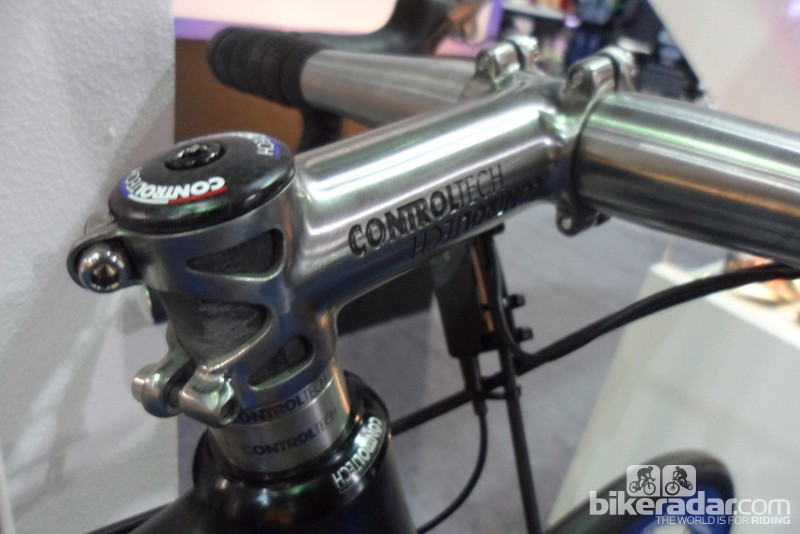 The Timania stem is made from one-piece with not a weld in sight