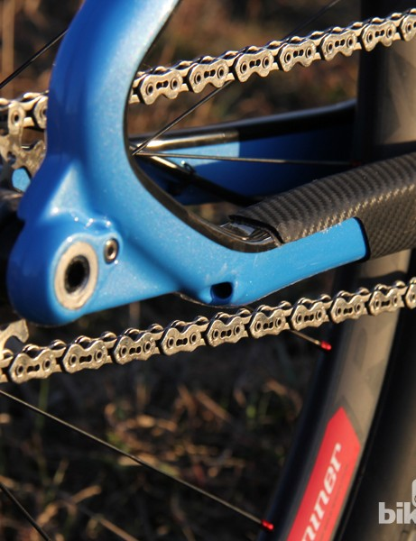 If you need more than one gear to get you up the climbs you'll be glad to know the One 9 RDO can also be set up with a 1x drivetrain. There's a port through the chainstay for the internally-routed rear derialleur cable