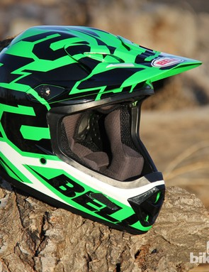 The Bell Transfer-9 packs a lot of value into an affordable full face helmet