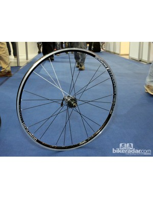 After a short hiatus, American Classic has brought back the Magnesium Clincher road wheelset, this time with a staggering 1,180g claimed weight for the set