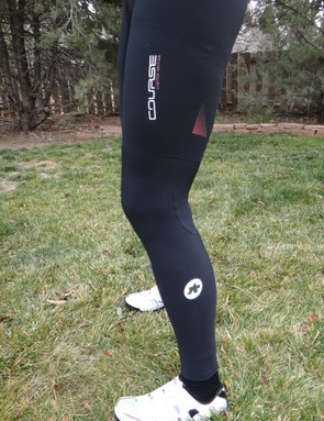Assos leg warmers squeeze the thighs a bit at the top