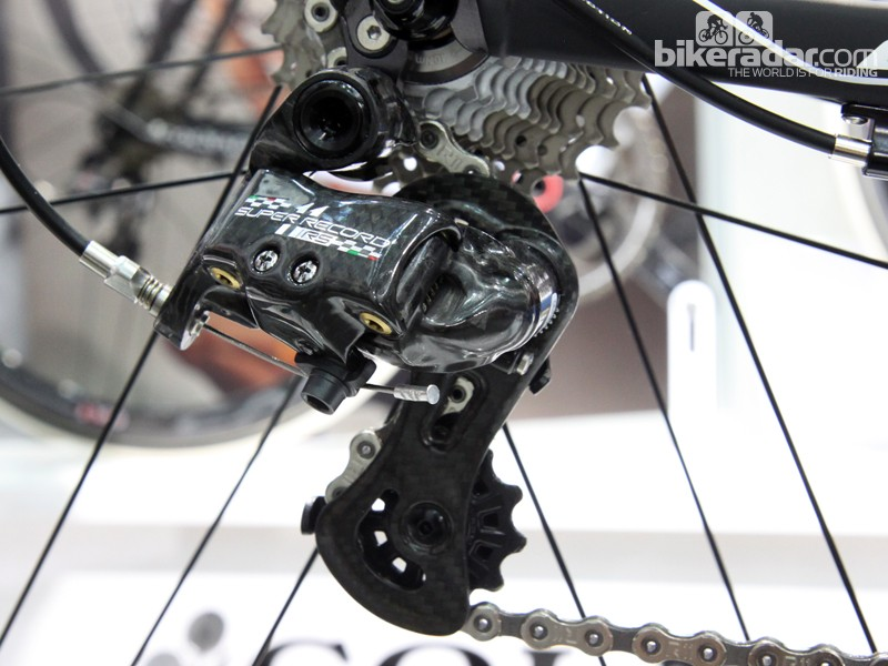 We spotted a new Campagnolo Super Record RS group at the Taipei Cycle Show