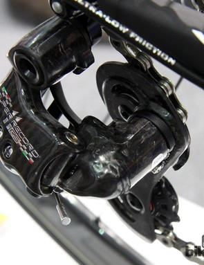 Aside from the inner link, just about every structural component on the Campagnolo Super Record RS rear derailleur is made of carbon fiber