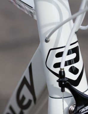 Part of the Ridley's winning success is its quality frame - an oversized tapered head-tube and beautifully internally routed cables are features we'd expect at a far higher price