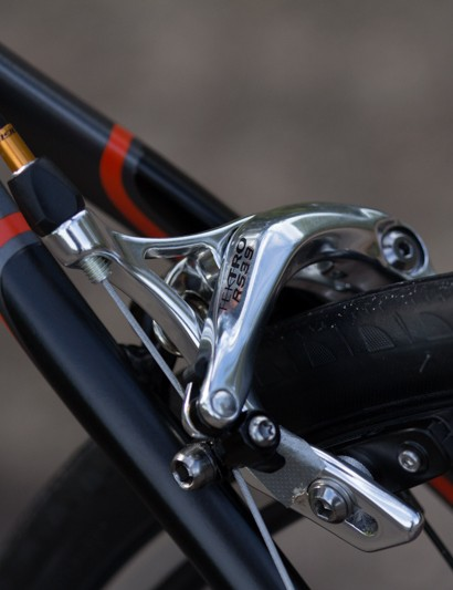 These Tektro brakes look fancy and work reasonably – but still lack the raw power of higher-end models