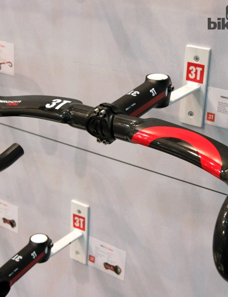 3T's new Aeronova drop bar features a similar bend as the standard Ergonova, but have forward-swept, aero-section tops and internal cable routing