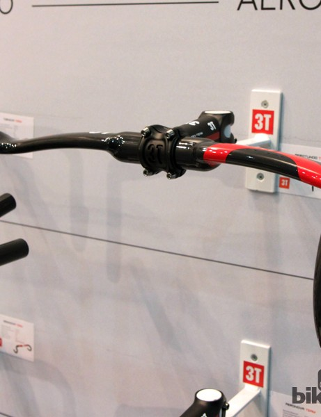 Riders preferring a deep drop and traditional bend but still seeking an aerodynamic edge can instead look to the new 3T Aerotundo bar