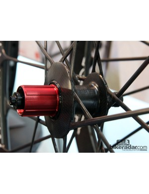 The carbon fiber spokes are then bonded into carbon fiber hub shells. Claimed weight for the tubular set is just 1,090g