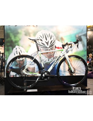 Axman is a Taiwanese OEM frame builder that produces several good looking options, such as this carbon cyclocross bike with front and rear disc brakes and thru-axles at either end. Brands looking for a manufacturing partner could certainly do worse than here