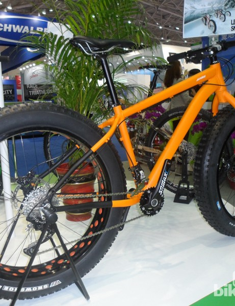 Fat bikes and disc road bikes ruled the show, and this aluminium Sundeal fatty looked a pretty decent budget option