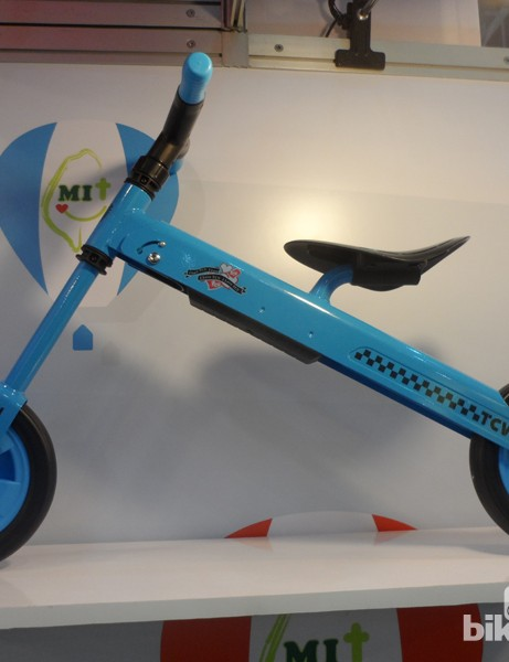 The balance bike quickly flip-folds for easy storage