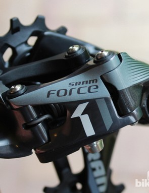 Although branded Force, the CX1 has more in common with the XX1 mountain-bike derailleur than the road model