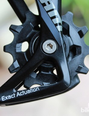 The 1:1 ratio on SRAM road shift levers mean riders can use 10- or 11-speed levers and cassette with the CX1 derailleur
