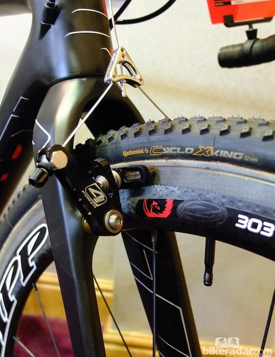 The X-Night SL Canti's Zipp 303s are fitted with Continental Cyclo X King tubulars