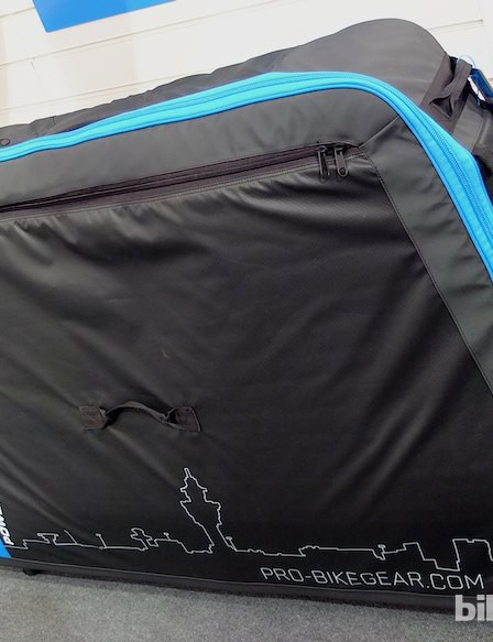 The bike bag zipped up is reasonably compact, with the wheels dropping in to long zipped pockets on each side, and all running on four large steerable castors