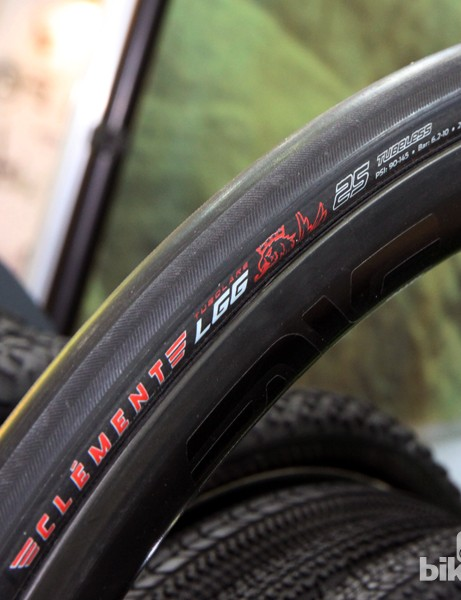 The new 25mm wide Clement LGG tubular road tyre uses the same tread as the Strada open tubular but with a pure slick centre. As with other Clement tubulars, the LGG features a tubeless construction with a coated interior that's friendlier to sealant and runs straighter than handmade tyres