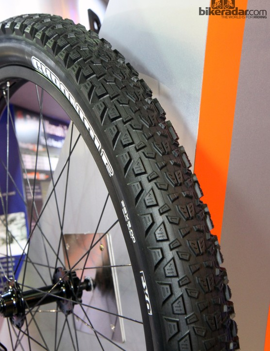 Maxxis isn't going to stand by on the burgeoning 29-plus market either, with the new trail-oriented 29x3in Chronicle. Like the Mammoth, it will be offered in both 60tpi and 120tpi versions this June, both with folding beads
