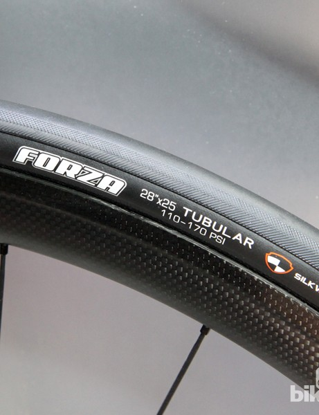 The updated Maxxis Forza tubular road tyre gets a triple-compound silica-based tread, a 25mm wide 60tpi casing, and Silkworm puncture protection for 2015. Claimed weight is 305g