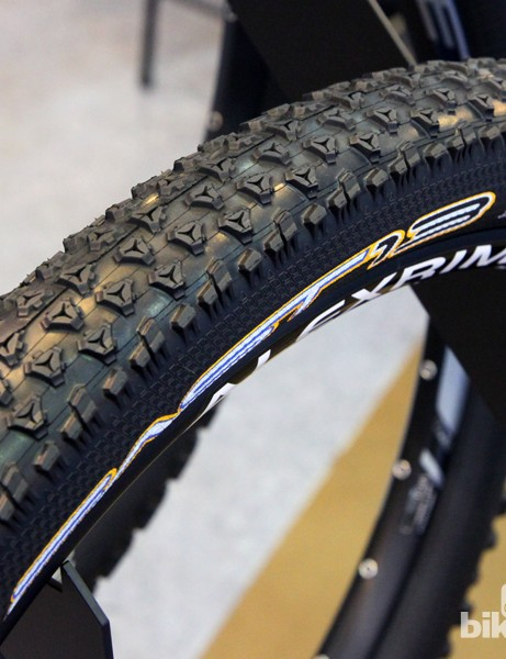 Tioga has carried its innovative AI self-adjusting knob concept into the new Fast 13. The lower-profile and more compact tread pattern is aimed at hardpacked terrain and will be offered in 29x2.1in (697g) and 27x2.25in (687g) sizes, both with Mag 60+ reinforced tubeless-ready casings and folding beads