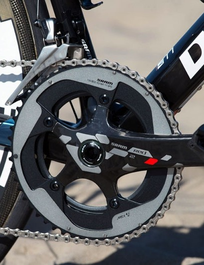 The Diamondback Podium Optum features the same SRAM Red 22 group used by the Optum pro team