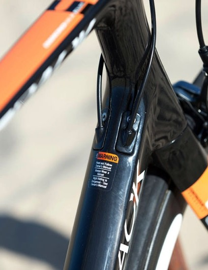 Diamondback's latest Podium road frame features internal routing that's convertible between mechanical and electronic setups