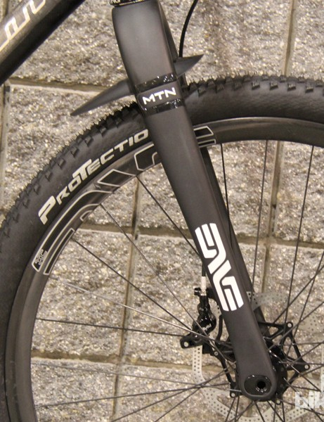 Mounted to several custom 29ers at this year's North American Handmade Bicycle Show was a new rigid mountain bike fork from carbon component manufacturer ENVE Composites