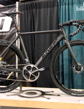 Alchemy Bicycles revealed at this year's NAHBS a gorgeous new carbon fiber gravel race bike called the Aithon