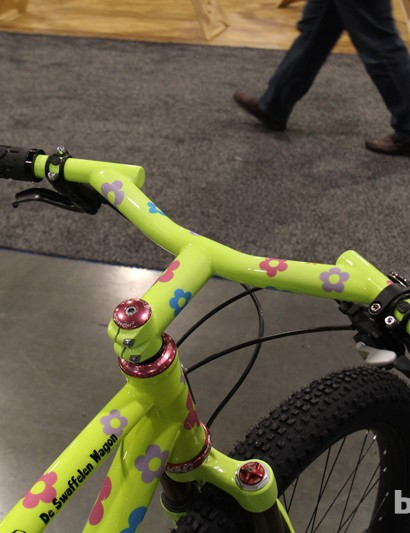 Groovy also makes LUV Handle handlebars with an integrated stem option