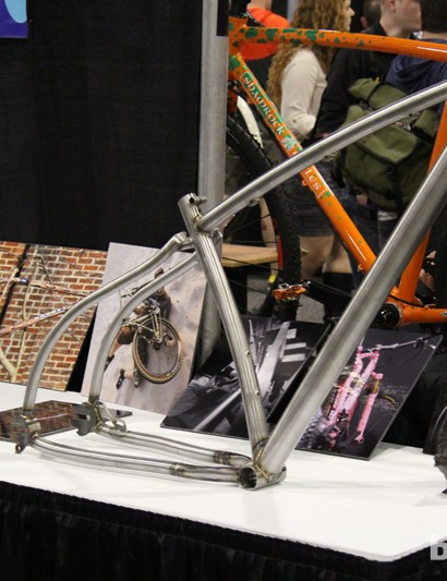 Groovy builder Rody Walter opted to build himself a 29+ frame while he was creating one for the customer