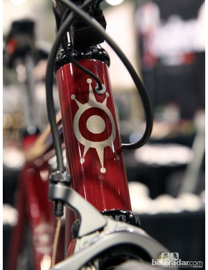 Electronic drivetrain wires are fed into the head tube on the new Alchemy Aiolos