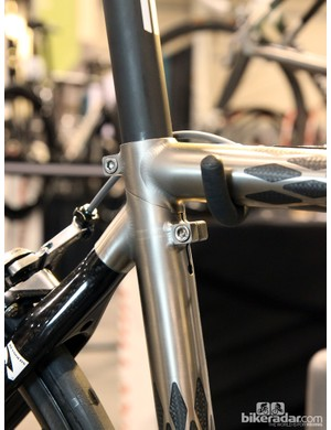 Holland Cycles uses a modified version of Ritchey's Break-Away system for its Jet travel bike