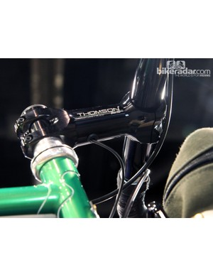 Shamrock Cycles routed the Campagnolo EPS wire inside the handlebar and stem on this Fluid Druid