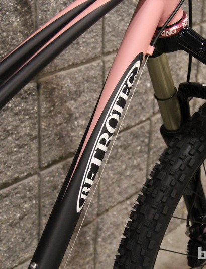 Twin top tubes and graceful curves on this Retrotec