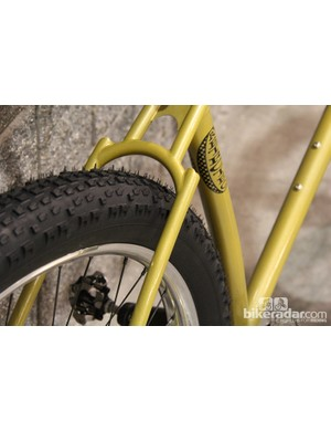 This 29+ has ample tire clearance for the 29x3in Surly Knard tires