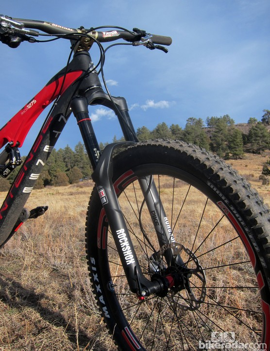 The 160mm-travel RockShox Pike is a perfect match for the rear end, offering up a supple early stroke, a nicely progressive spring rate, and excellent chassis stiffness