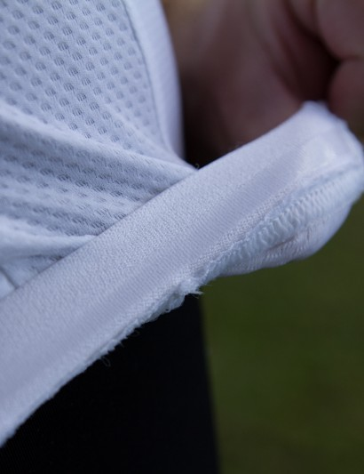A silicone gripper at the back prevents the jersey from riding up