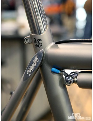Moots may have made this frame from high-tech titanium but the style pays homage to yesteryear