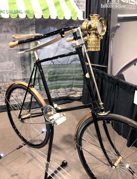 Is it still called a front triangle when it's actually a square? Either way, check out the fantastic front brake. Save for the lantern and a few other items, virtually everything in this image was produced from raw materials