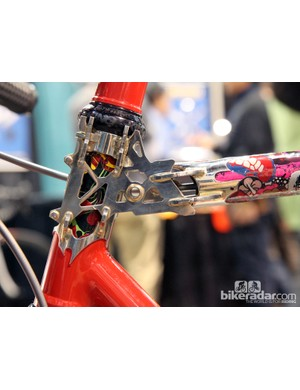 Another look at the skeletal head tube-top tube joint