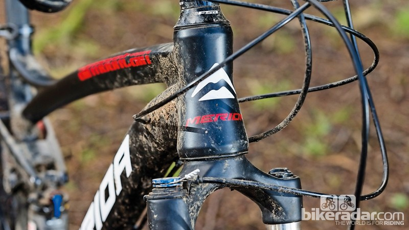 Chunky tapered head tube boosts frame stiffness