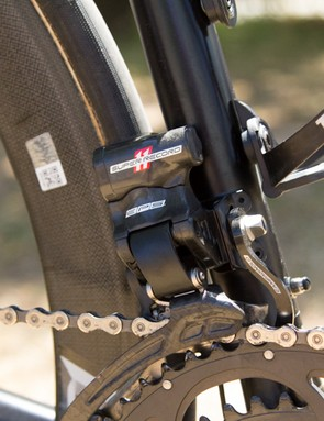 The Campagnolo Super Record EPS groupset is powered with the new internal race battery – the custom-drilled charging port is visible below the bottle cage